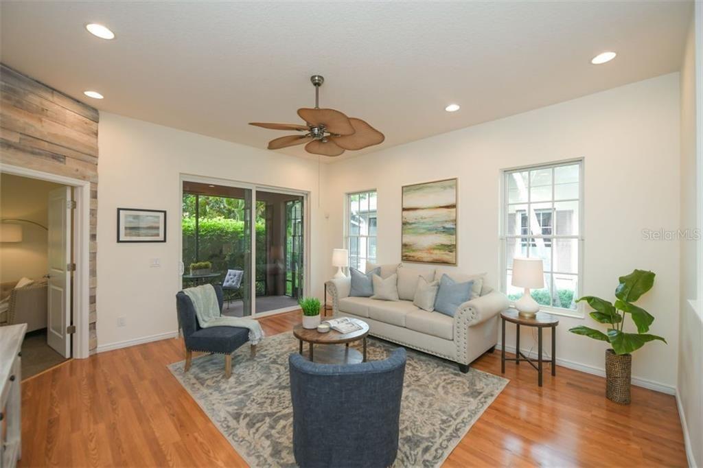 3818 Bridlecrest Lane living room