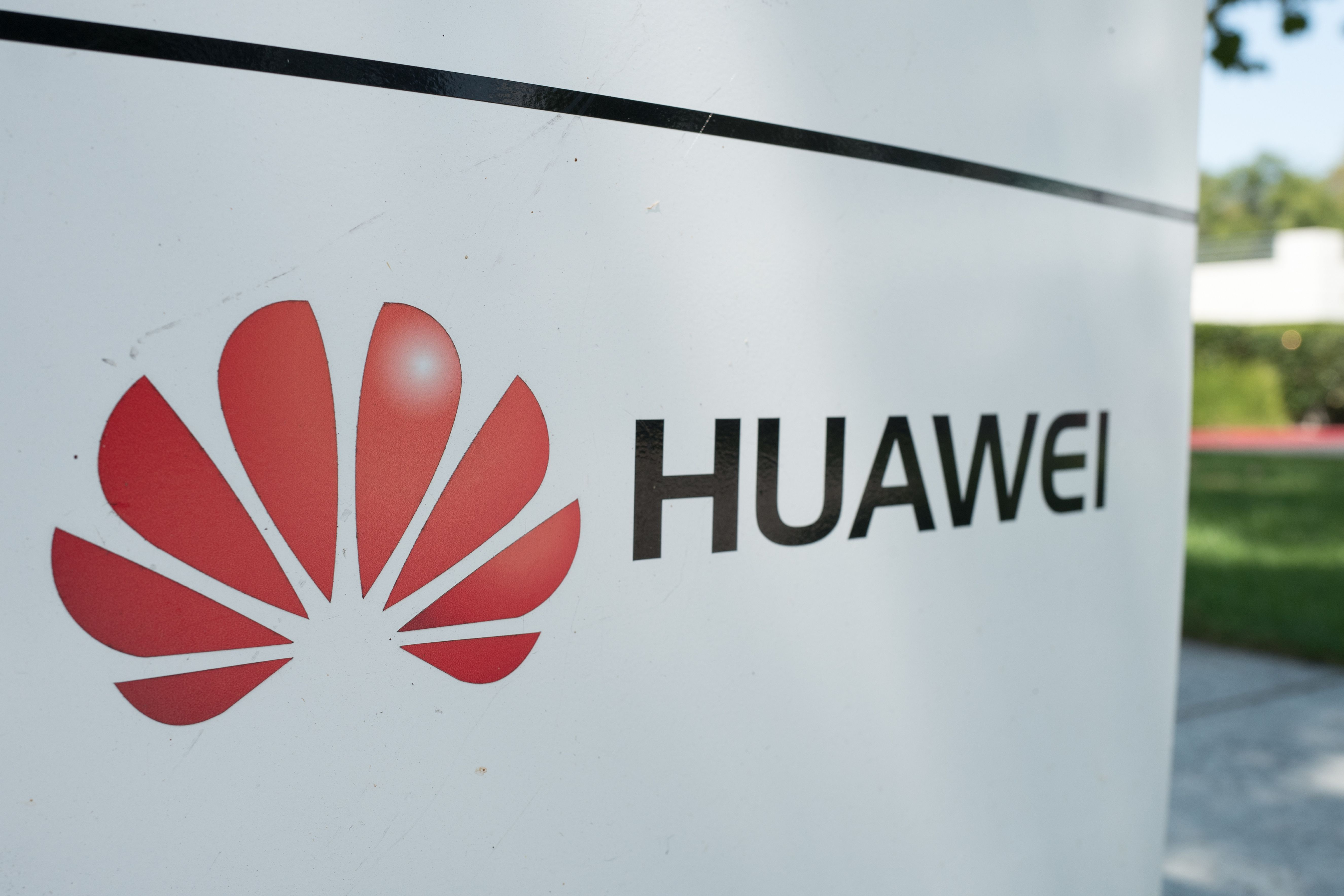 Huawei loses a round against Congress in federal court - Axios