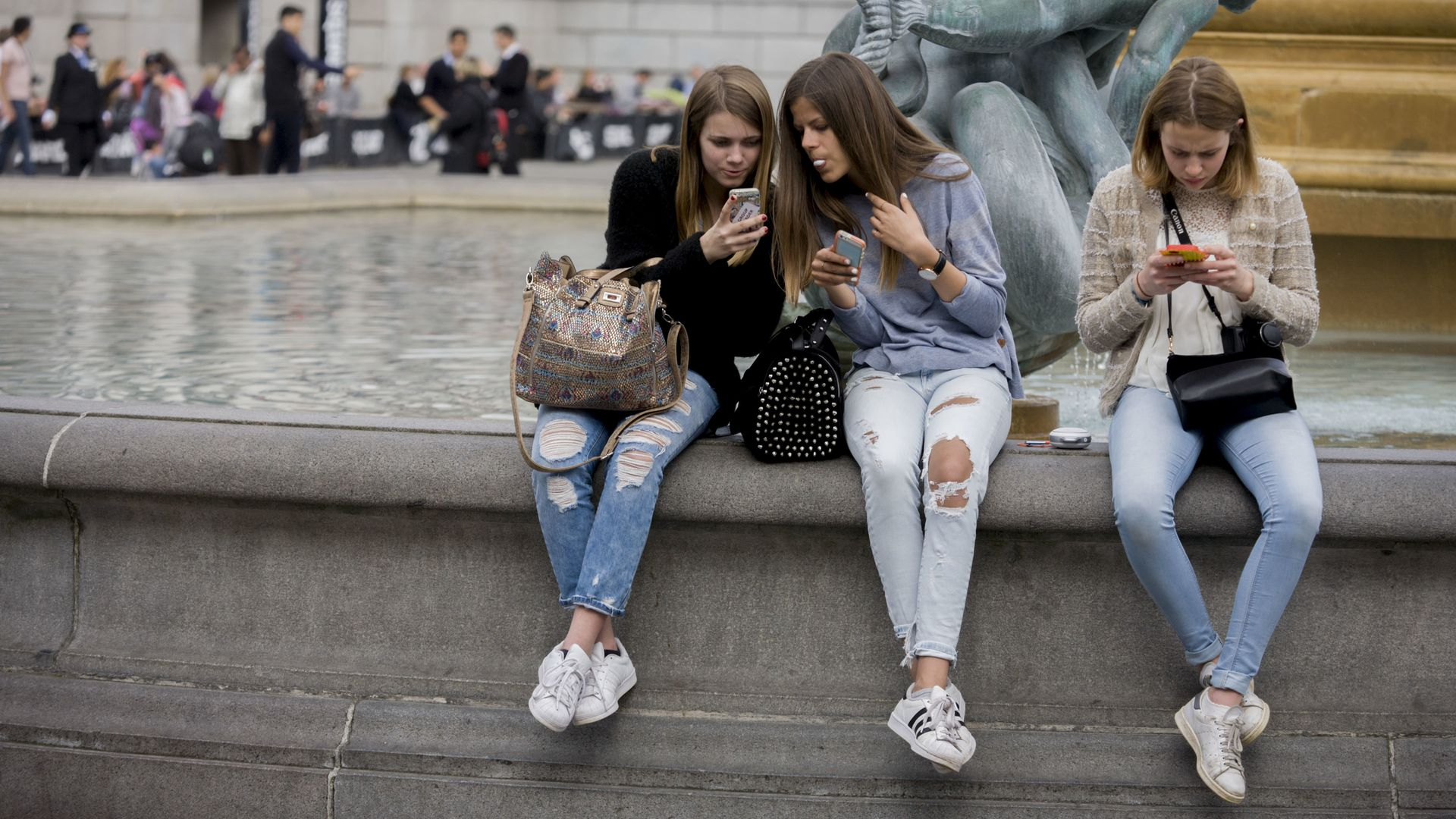 Three teenage girls lost in the world of smartphone apps and messaging.