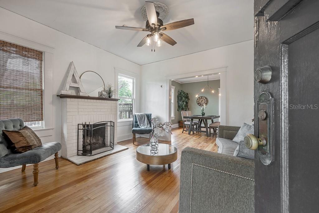 106 W. Powhatan Ave. living room