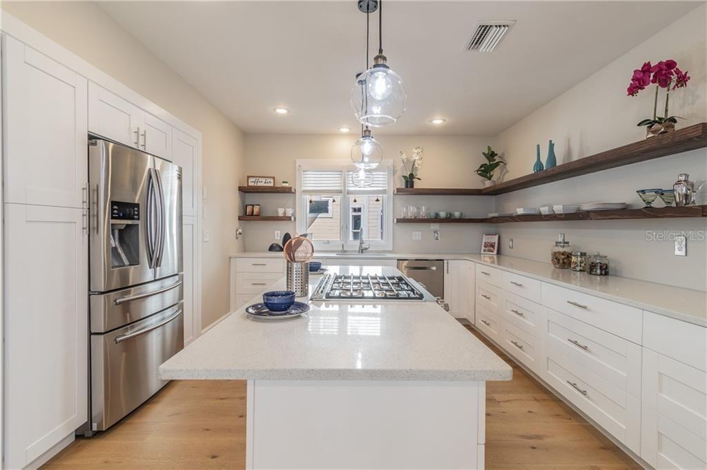 2802 Old Bayshore Way kitchen