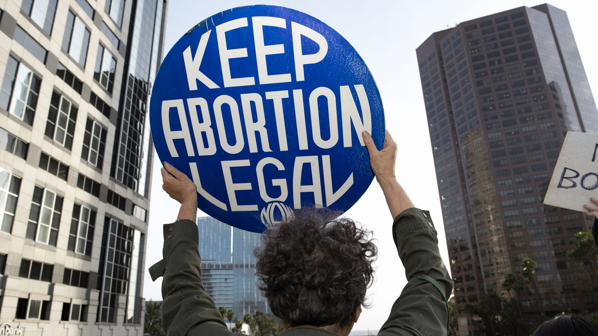 Federal judge blocks temporarily Mississippi's abortion ban