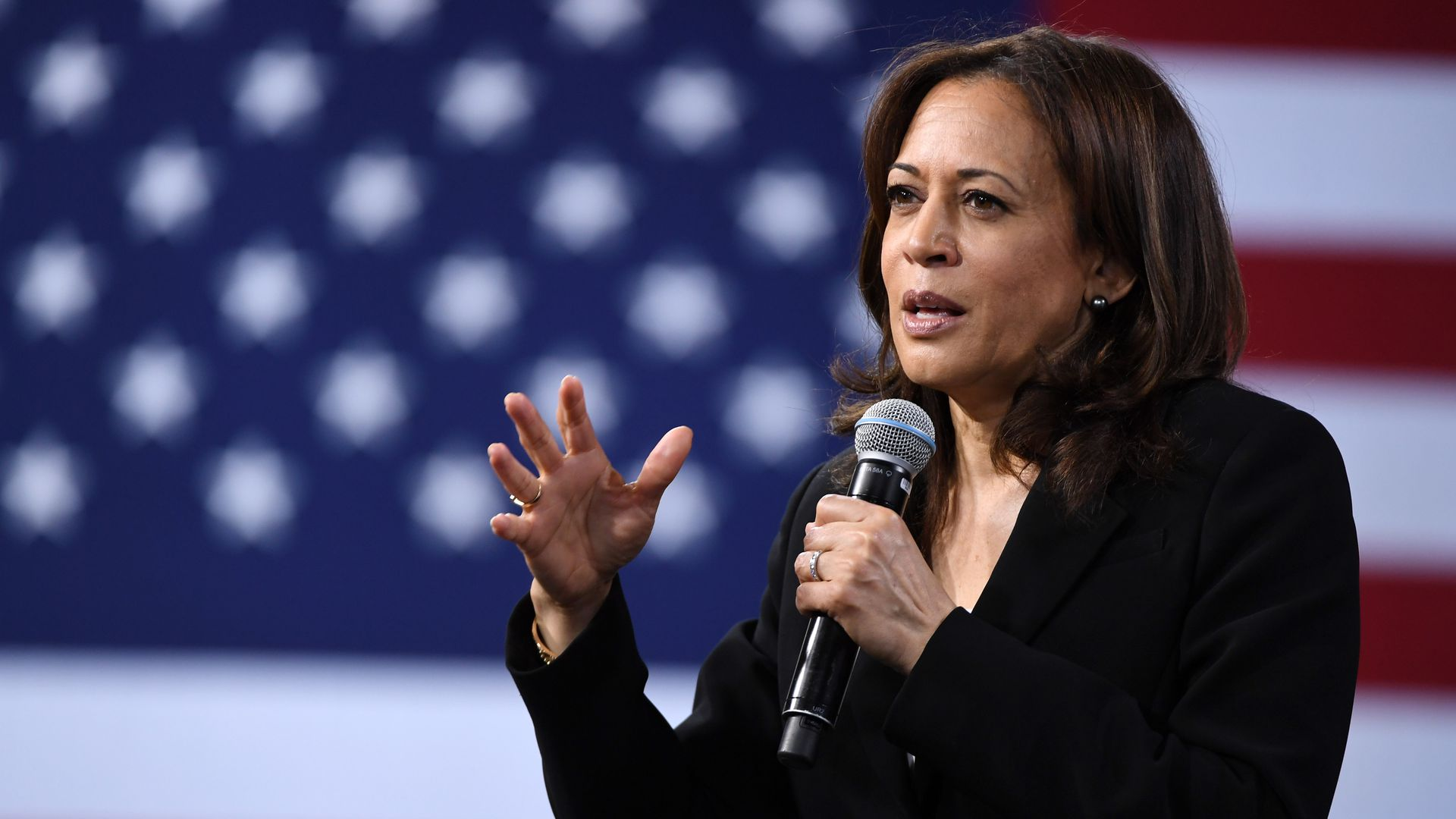 Kamala Harris introduces bill to decriminalize marijuana and expunge convictions
