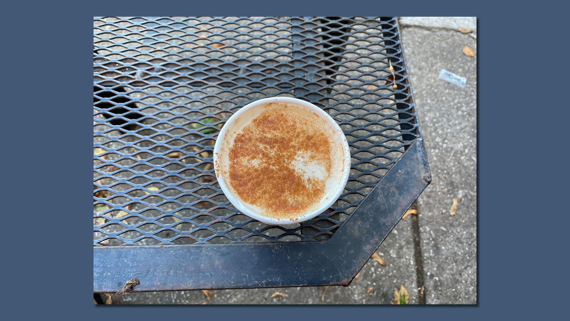 The Lucky Goat Coffee features the apple cider latte as part of their fall menu. Photo: Taylor Allen/Axios