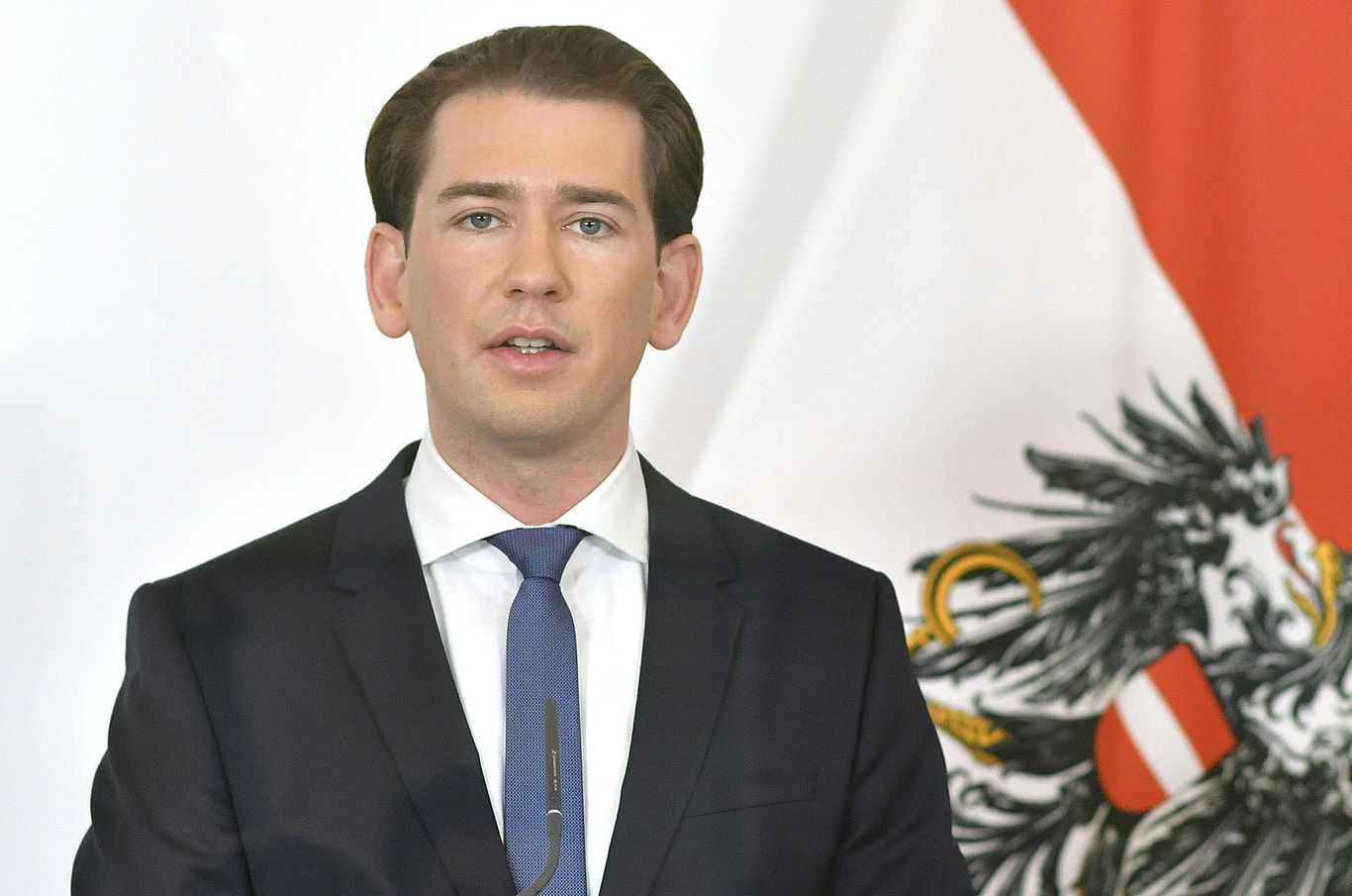 Austria announces nationwide lockdown as COVID-19 cases soar thumbnail