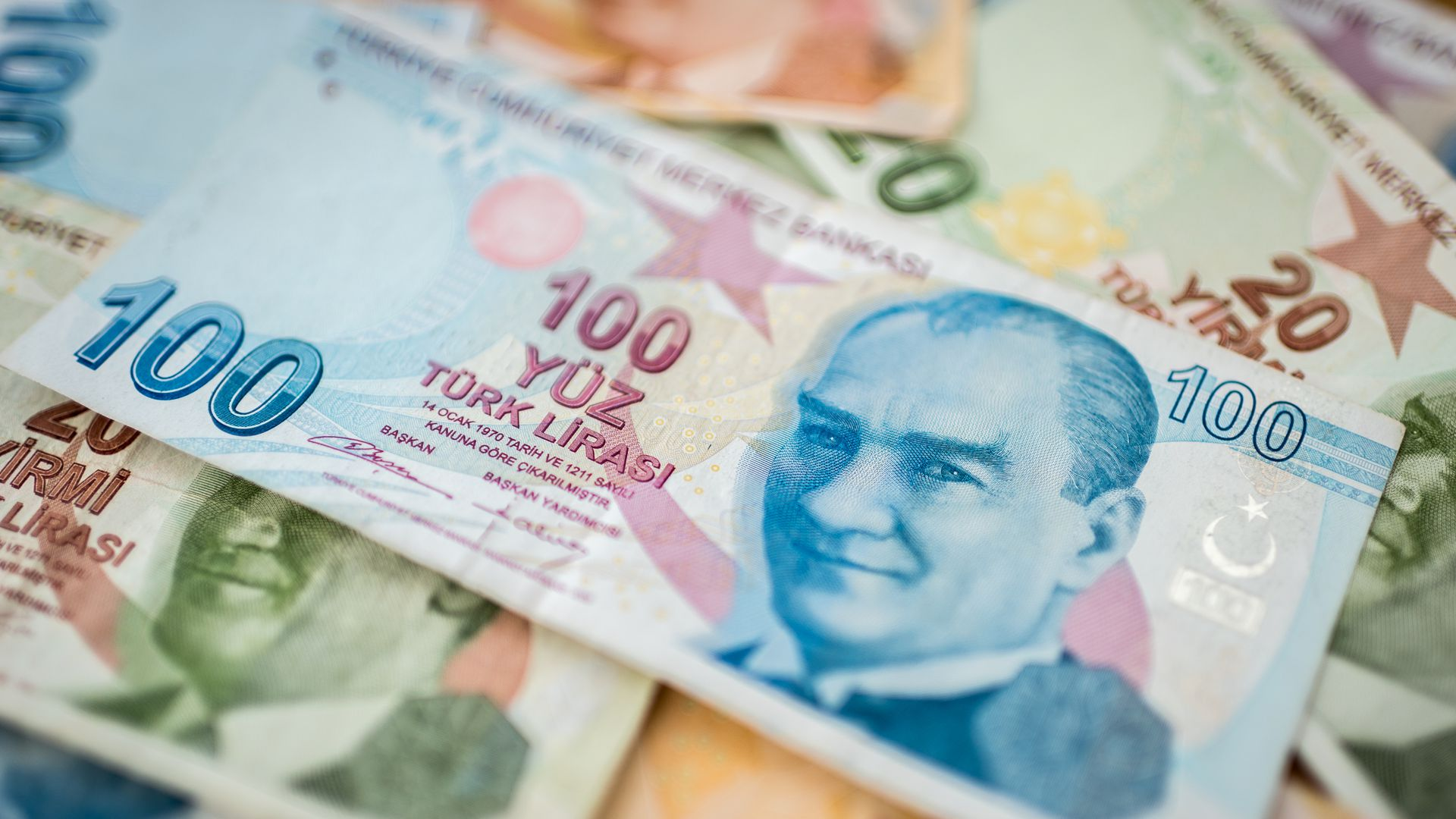 Turkish Currency Hits All Time Low Amid U S Pressure