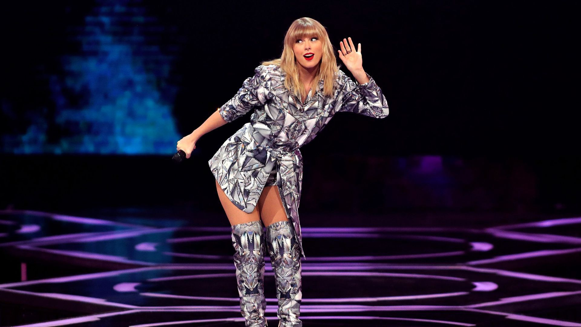 Taylor Swift crashes 2020 race with private equity broadside