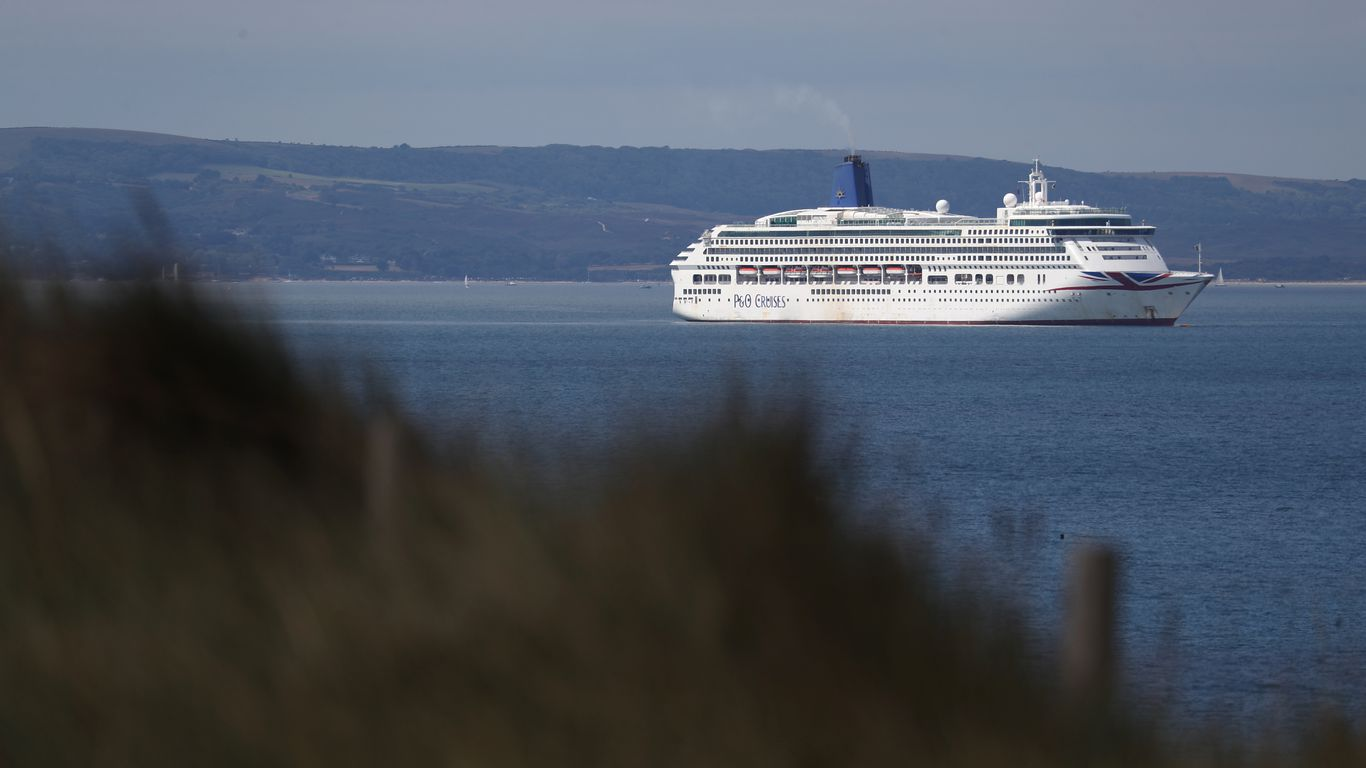 CDC extends ban against cruise ships in U.S. waters