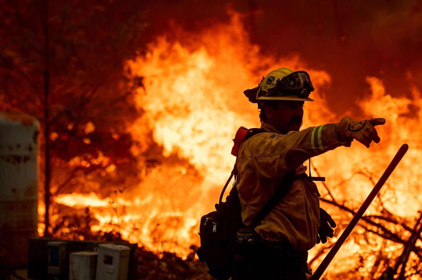 """Wine country blaze prompts evacuation orders as California endures """"critical"""" fire conditions thumbnail"""