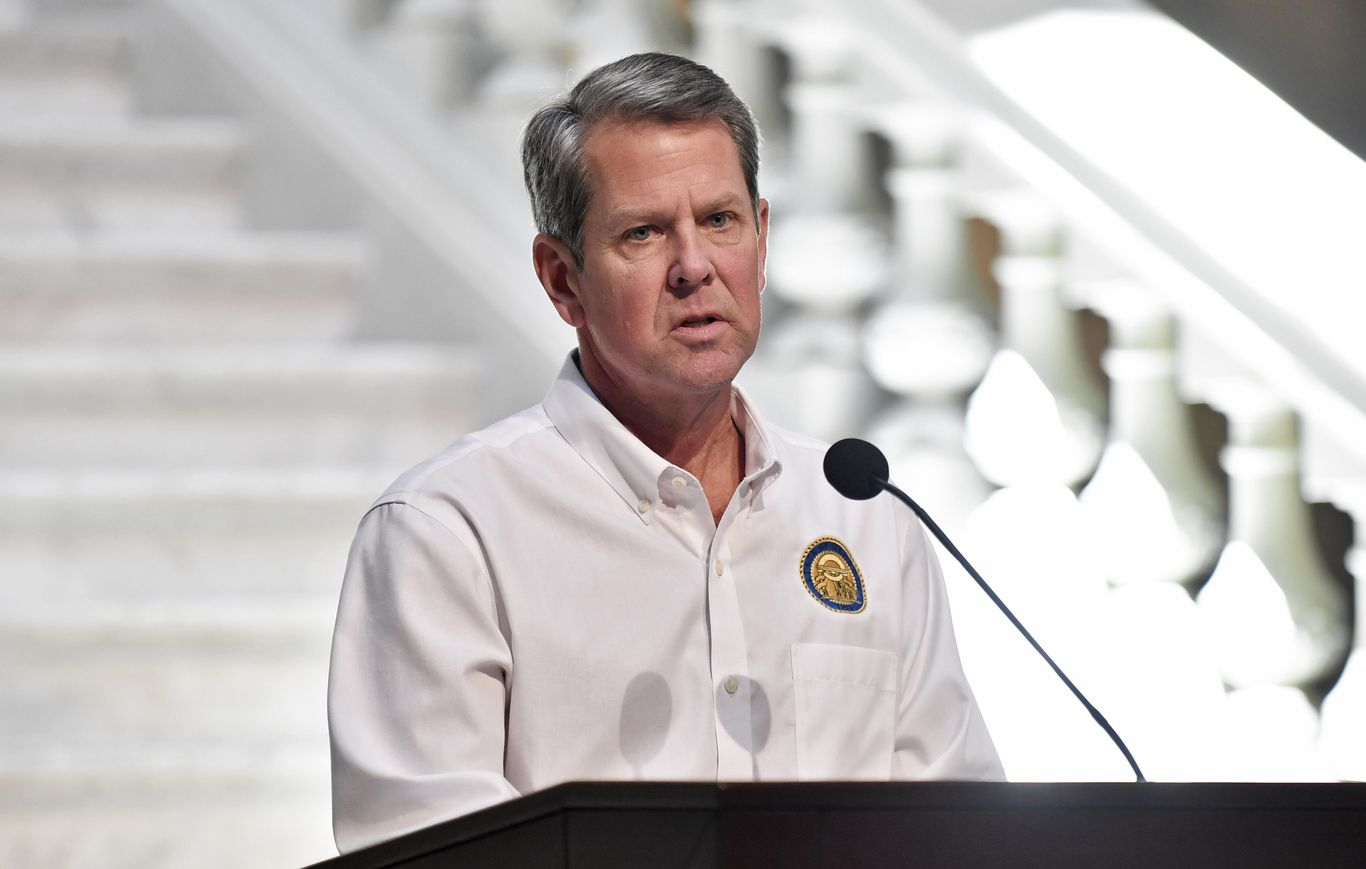 Georgia's Republican governor sues Atlanta mayor in bid to block city's mask mandate thumbnail