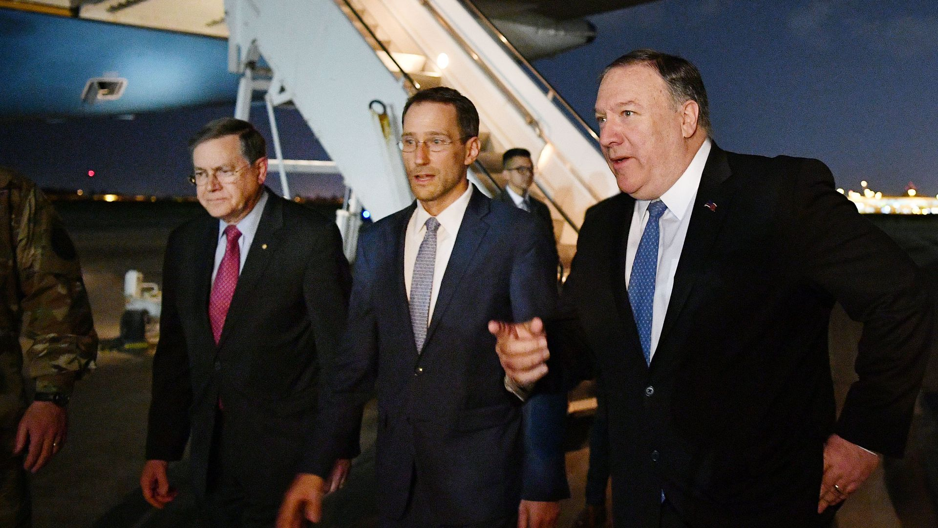 Pompeo with diplomats in Iraq