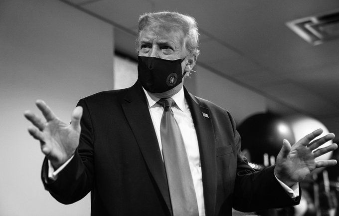 "Trump tweets photo of himself in a face mask and calls it ""patriotic"" thumbnail"