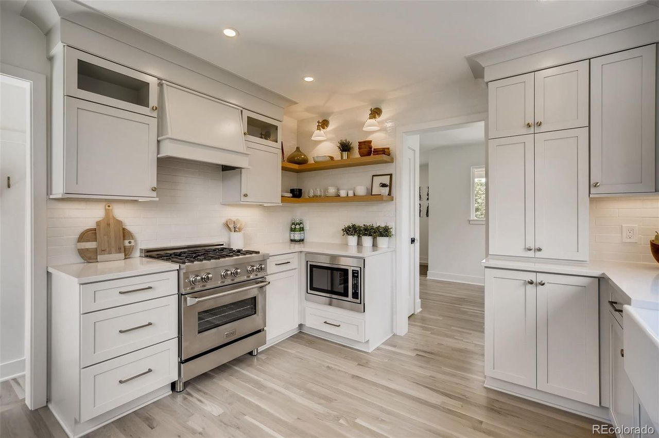 1255 S. Steele St.  kitchen