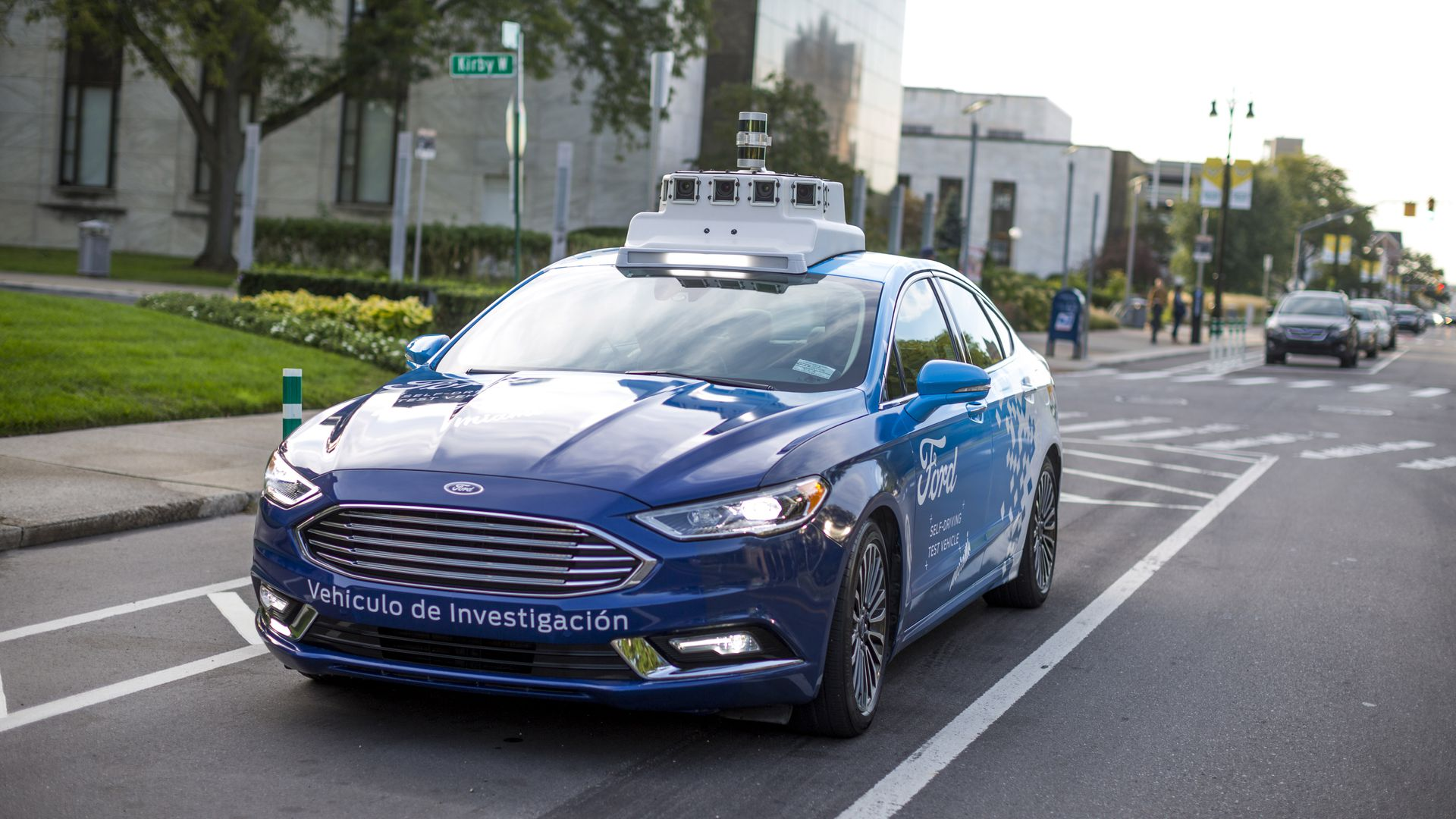 Ford self-driving test vehicle with lightbar communication system