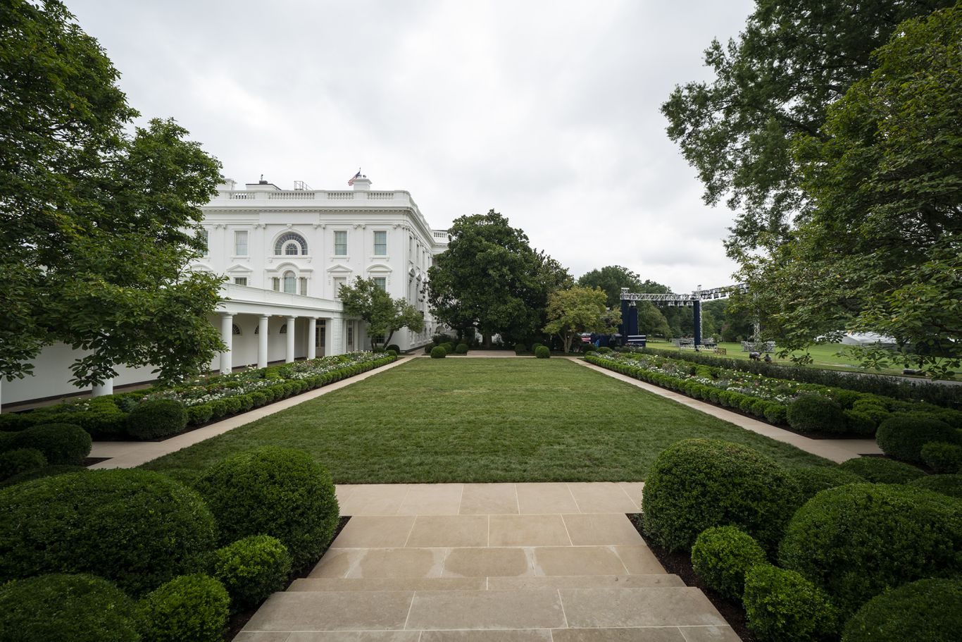 White House Debuts Redesigned Rose Garden Axios
