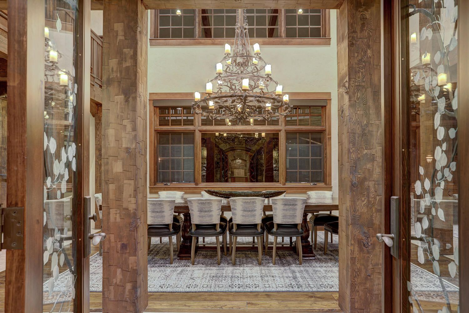 33 Iron Mask Road dining room