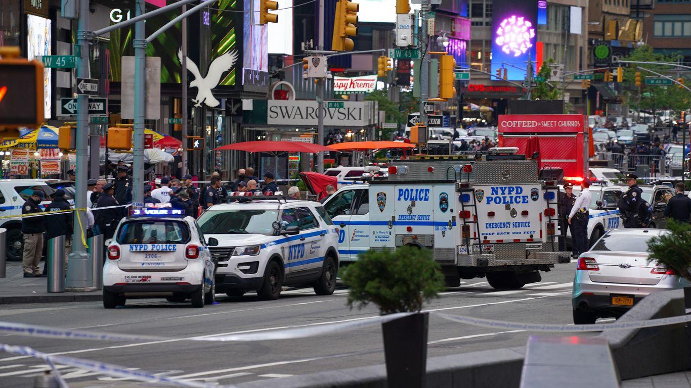 Trio of Saturday mass shootings rock U.S.