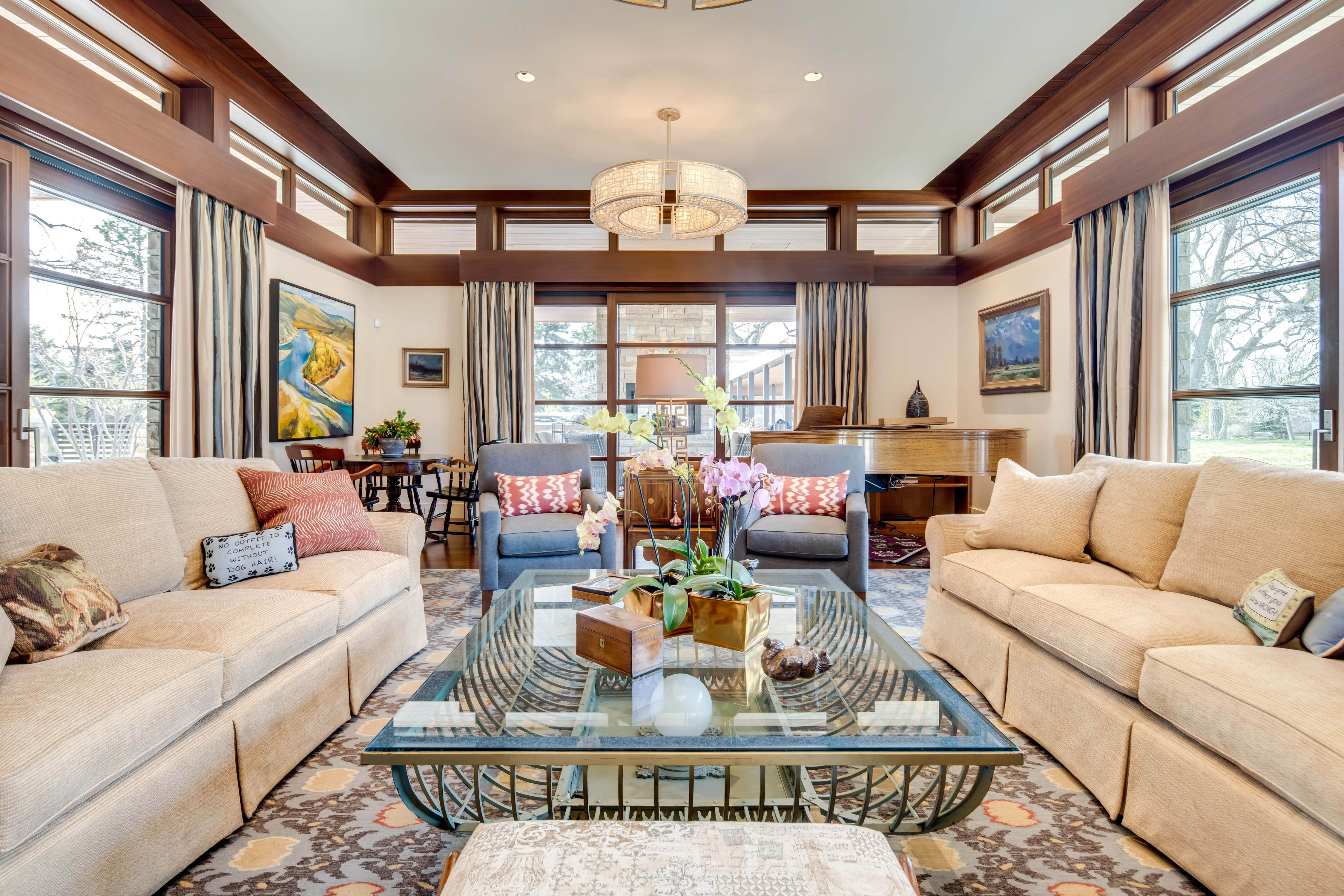 9 Polo Club Ln living room
