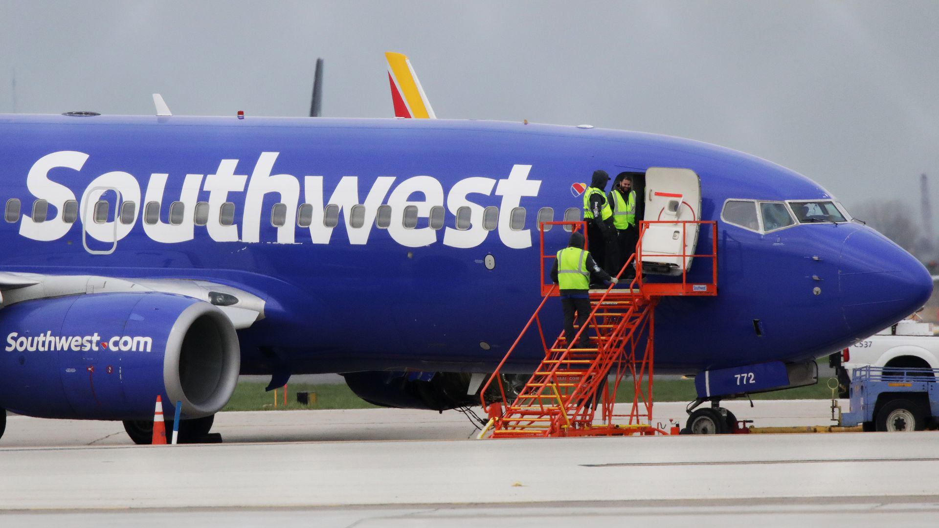 eca599b39 Southwest cancels Sunday flights for engine inspections - Axios