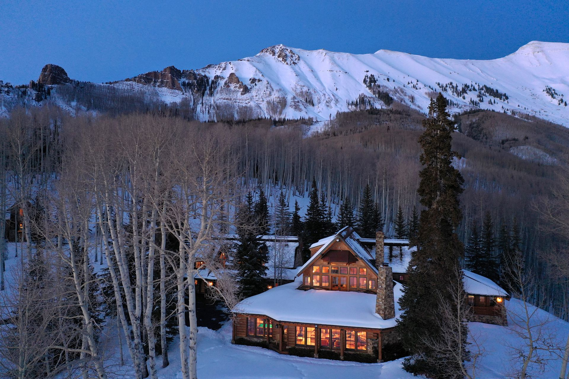 Tom Cruise's Telluride ranch, enveloped by mountains