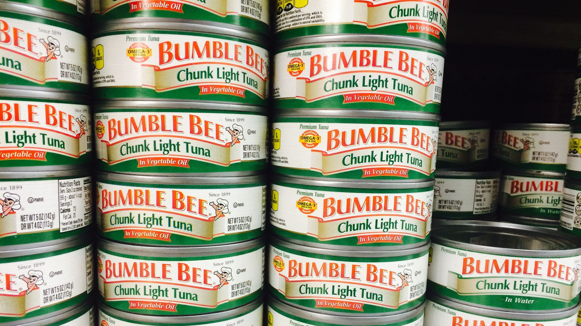 cans of bumble bee tuna