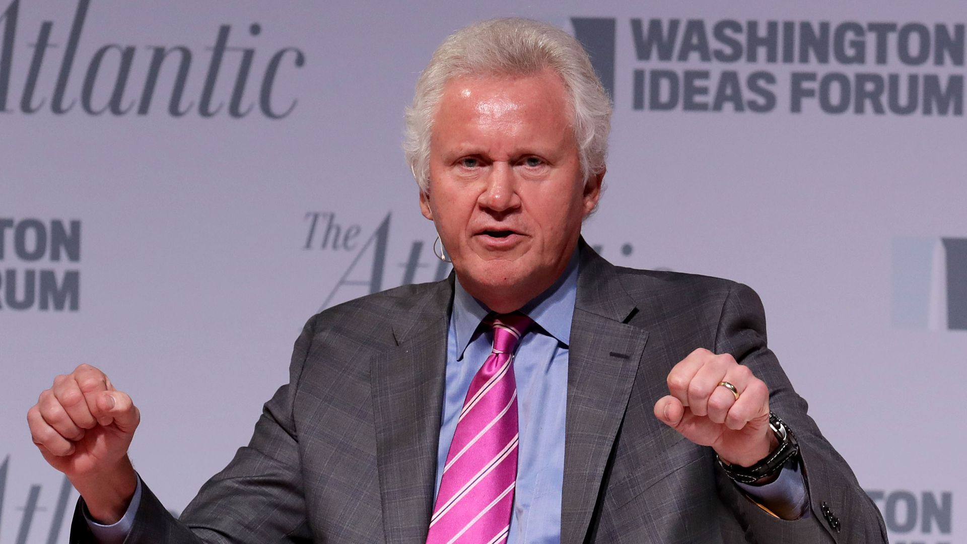 Former GE CEO Jeff Immelt speaks at a conference.