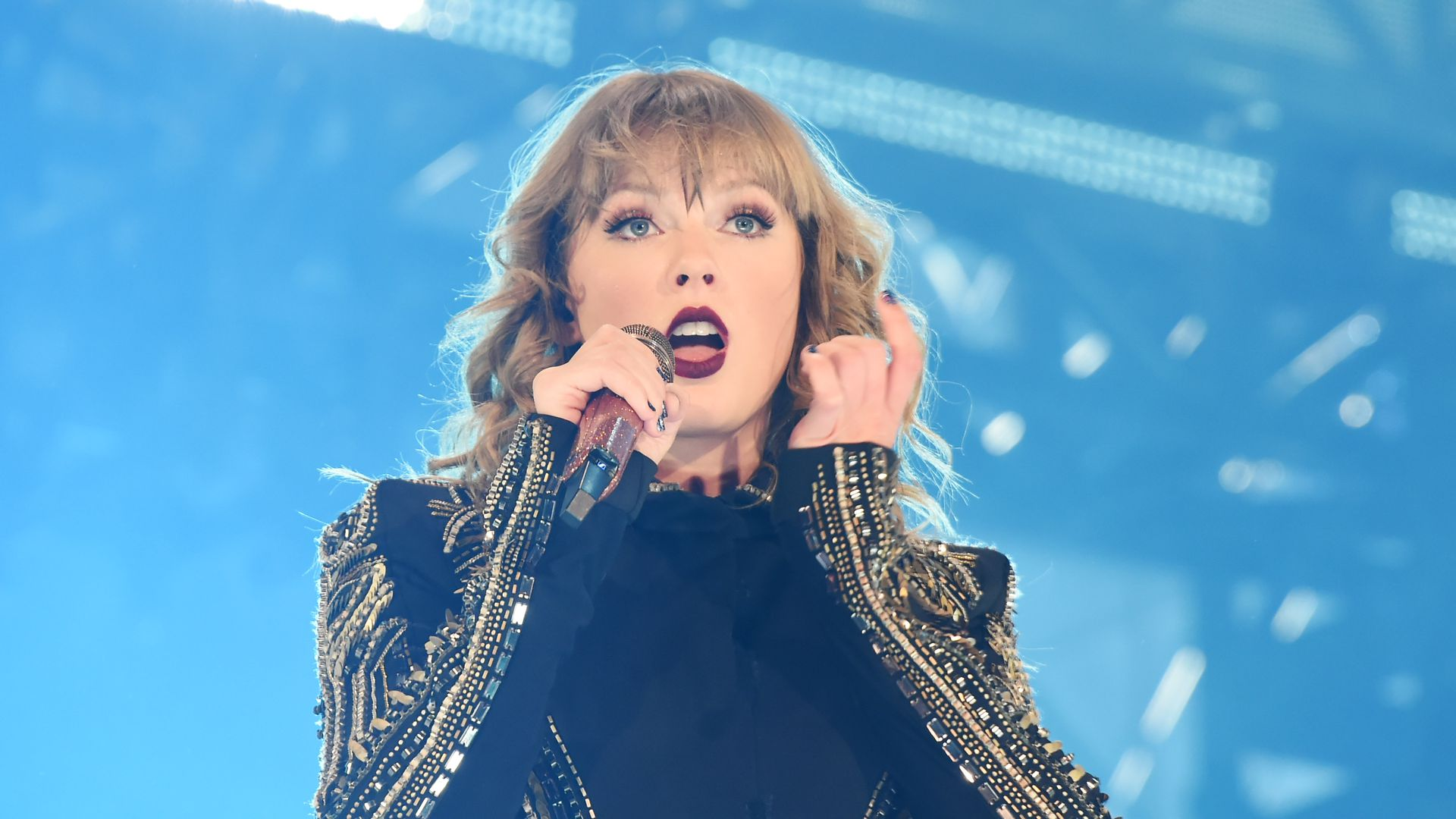 Taylor Swift inks Universal Music Group mega-deal - Axios