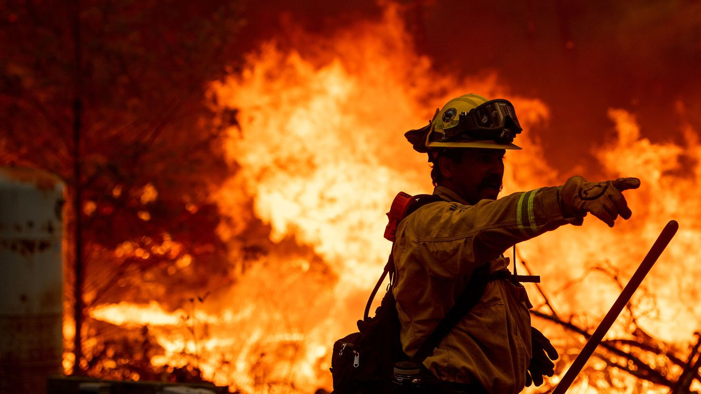 California wine country wildfire prompts evacuations
