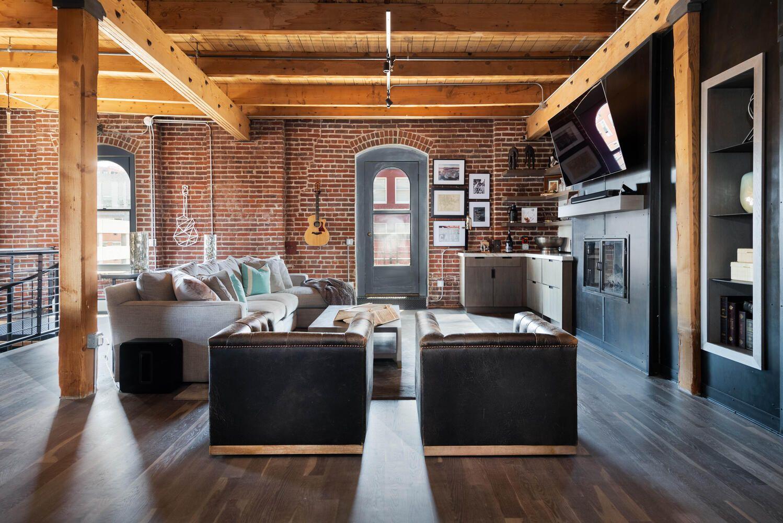 1792 Wynkoop St #501 living room