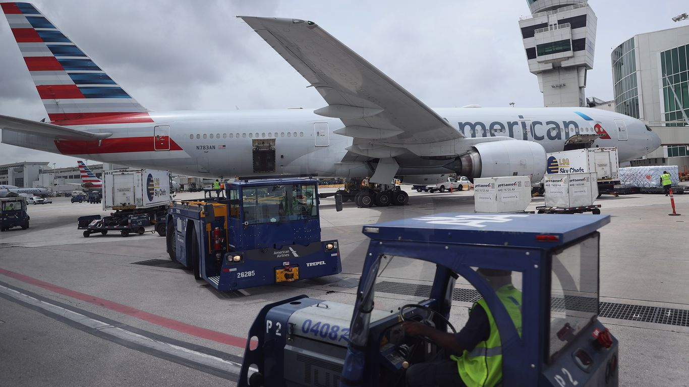 American, Alaska Airlines and JetBlue add staff vaccine mandates