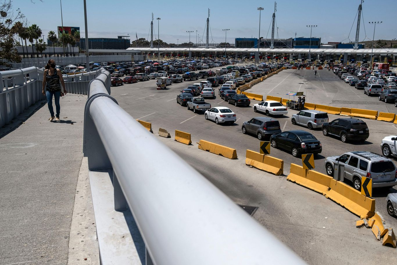 Mexican leaders call for tighter border control as COVID-19 cases increase in U.S.