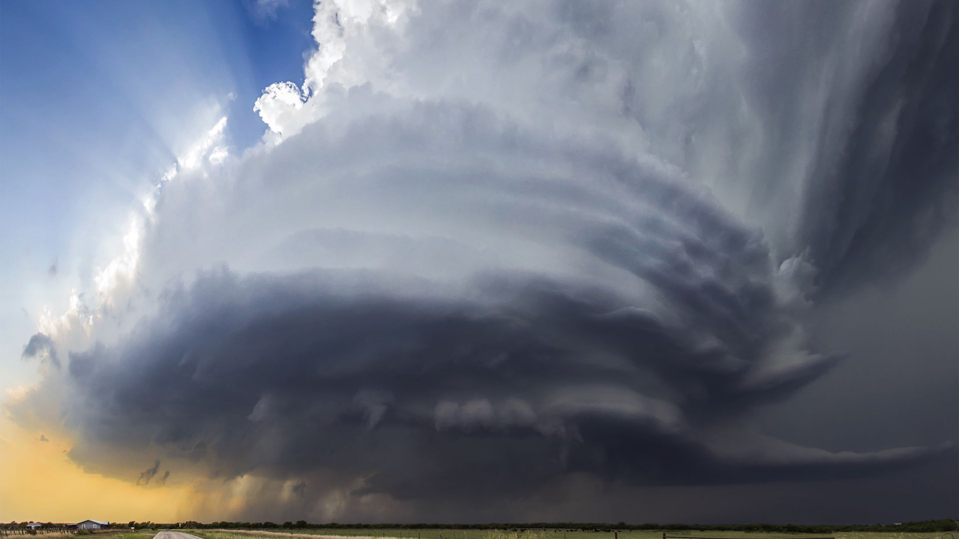 A supercell thunderstorm in the High Plains.