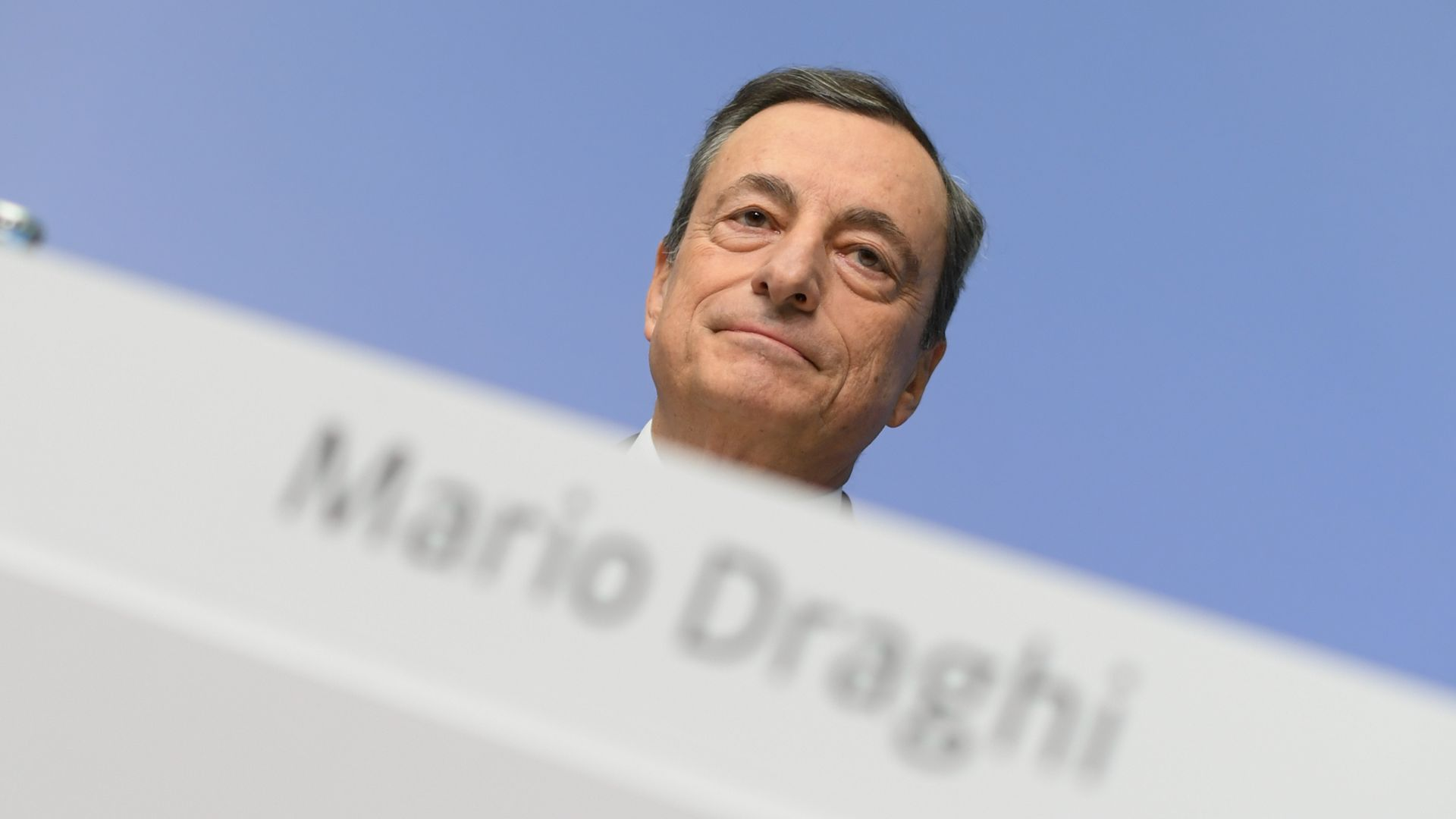 Mario Draghi, the director of the European Central Bank (ECB), at a press conference in the bank's headquarters in Frankfurt, Germany, 26 October 2017.