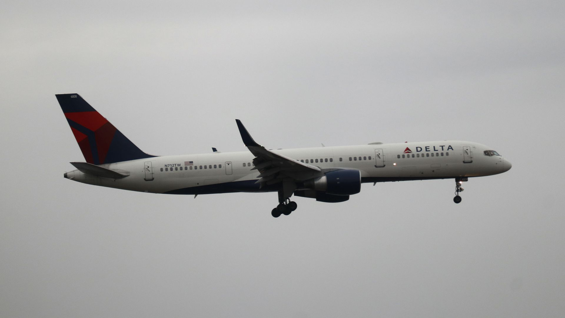A Delta airplane midflight