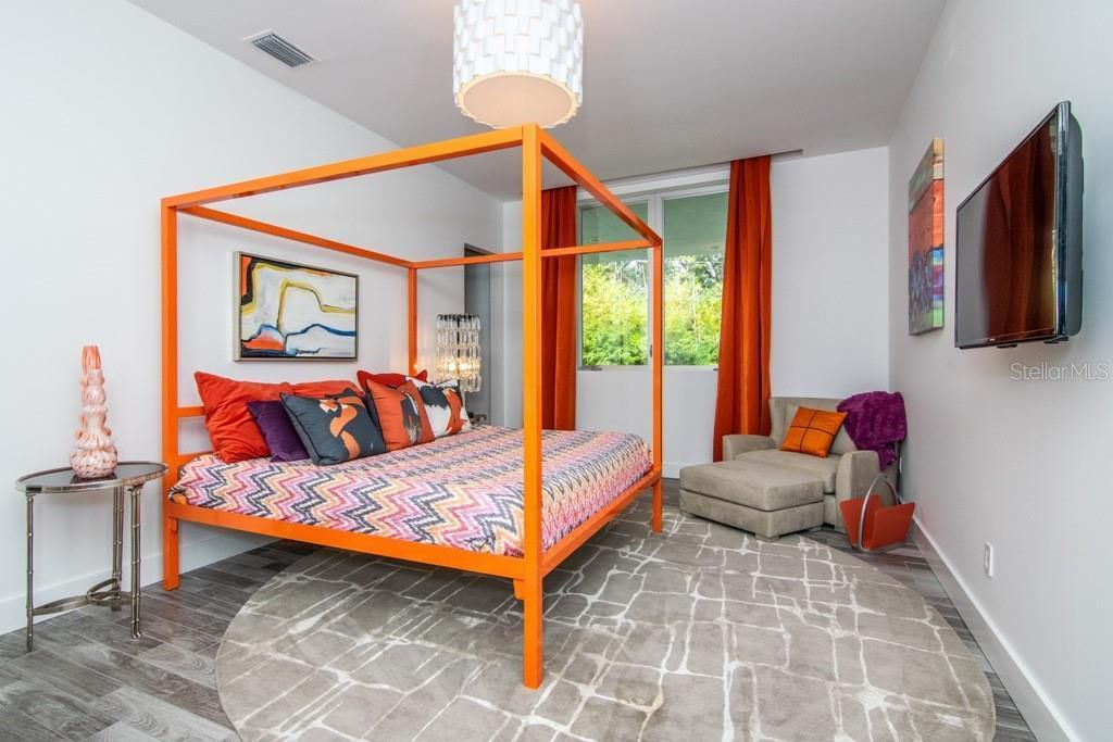 2911 W Fair Oaks Ave, another bedroom