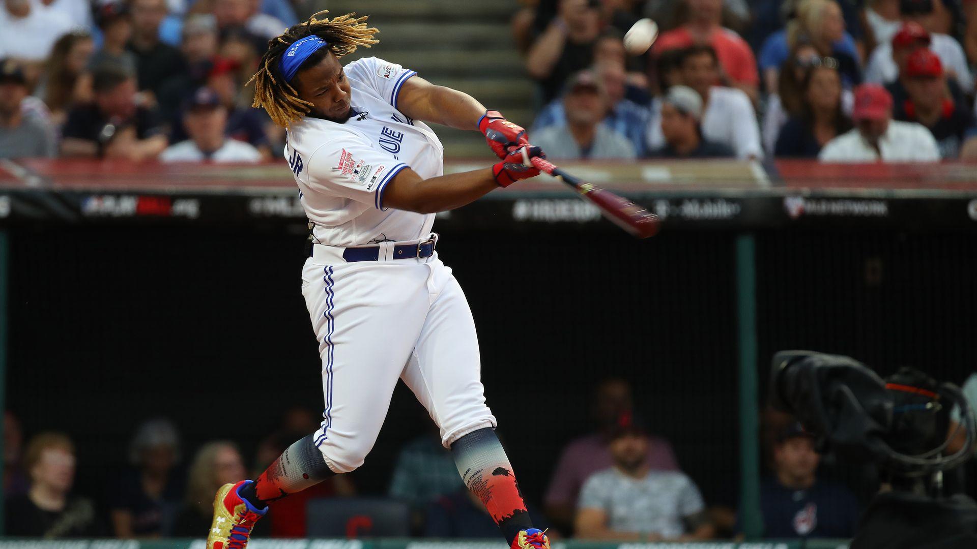 Vladimir Guerrero Jr swinging the bat