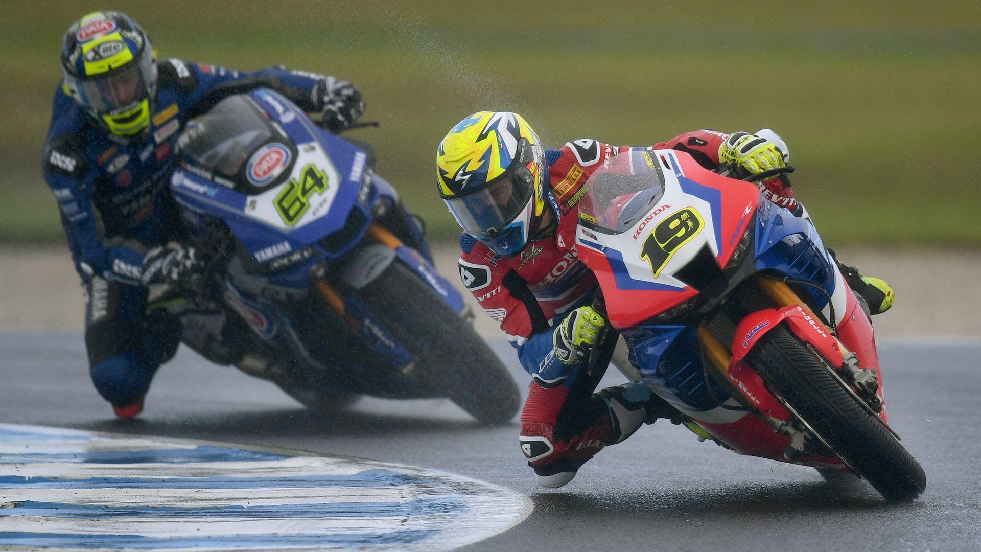 Superbike World Championship gets underway in Australia