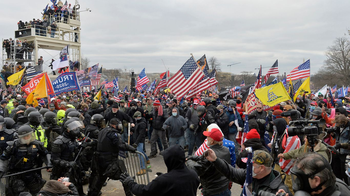 Capitol rioters committed more than 1,000 assaults on police, prosecutors say thumbnail