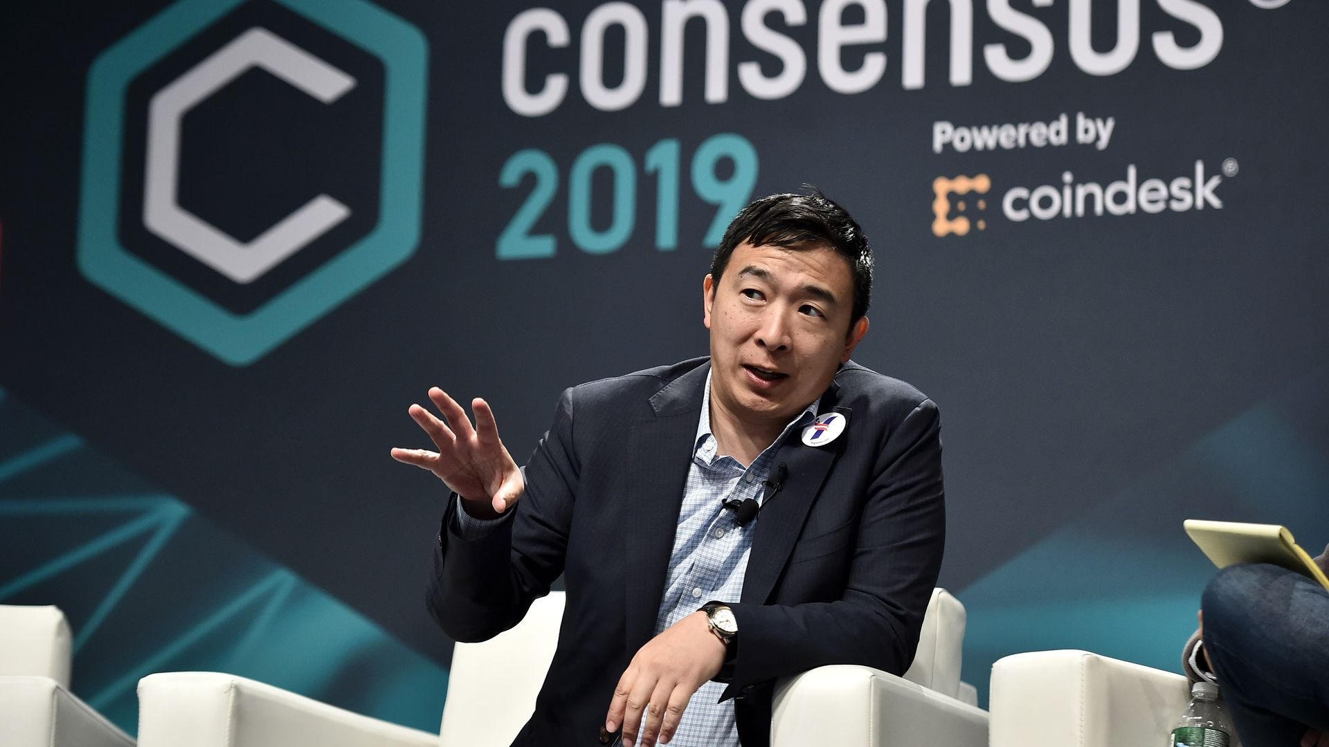 Yang pitches himself as crypto community's 2020 presidential pick