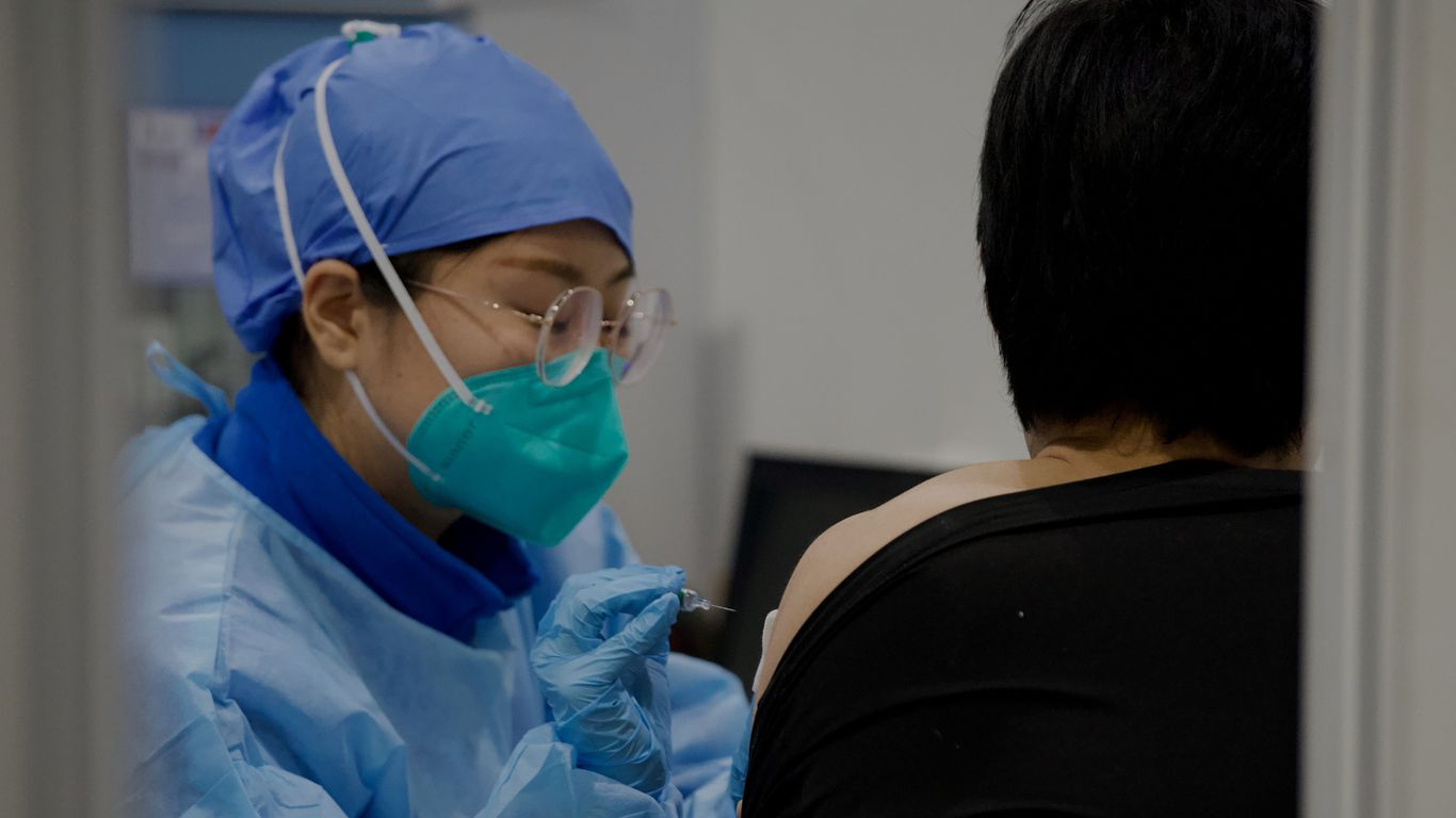 China builds hospital in 5 days as COVID-19 cases rise in Beijing thumbnail