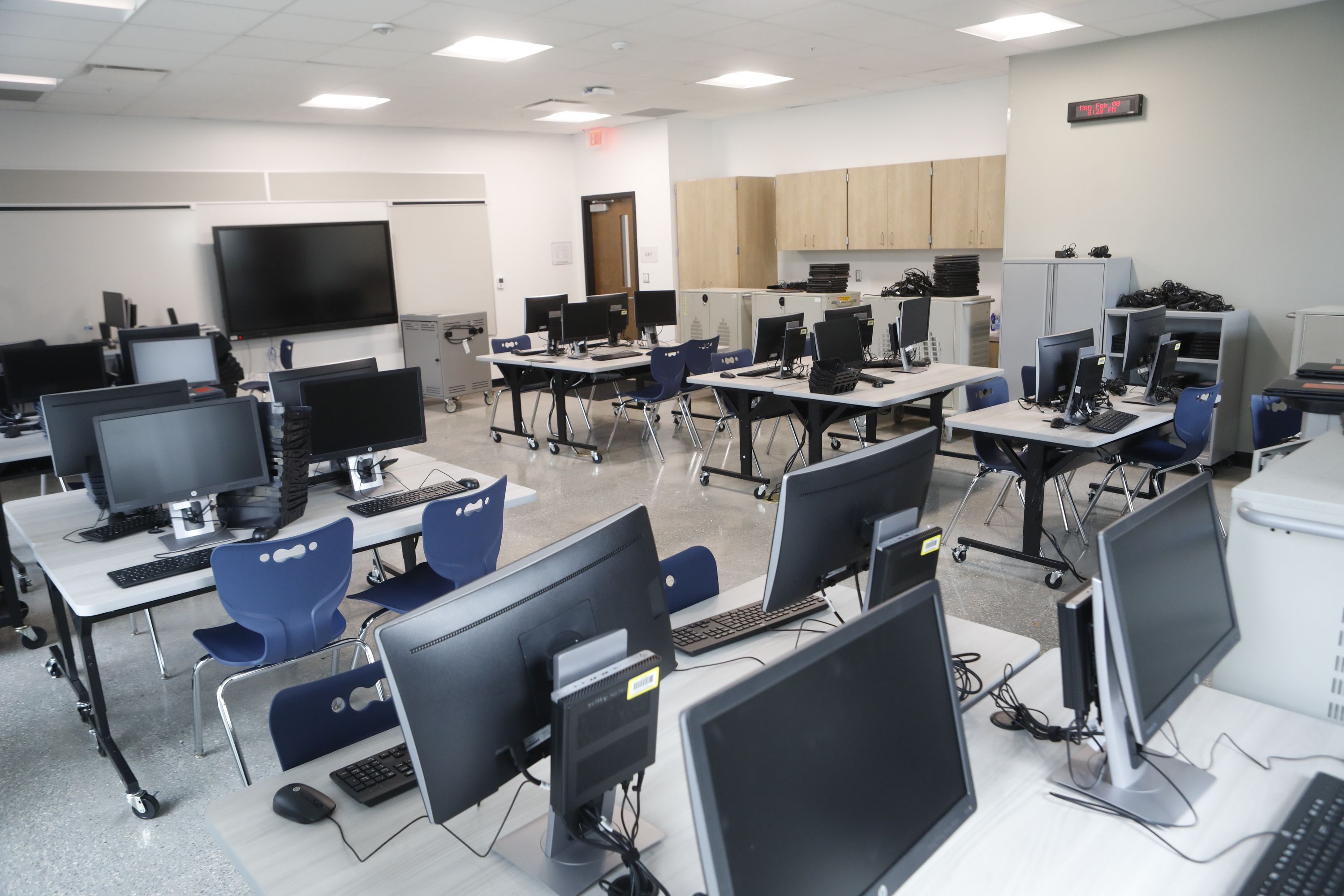 A photograph of a computer lab inside the newly rebuilt Tampa Heights Elementary.