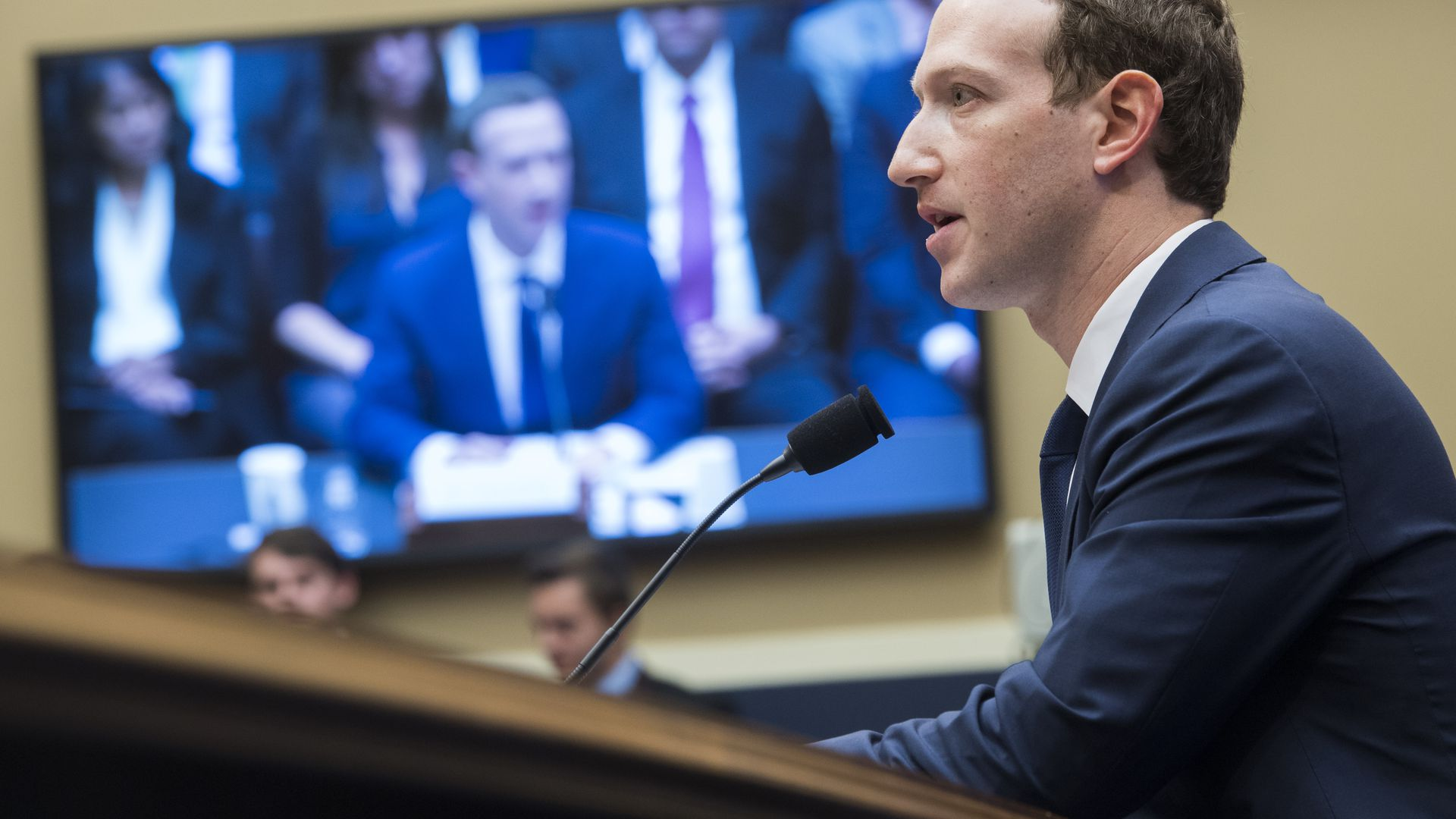 Zuckerberg responds to criticism after major New York Times story