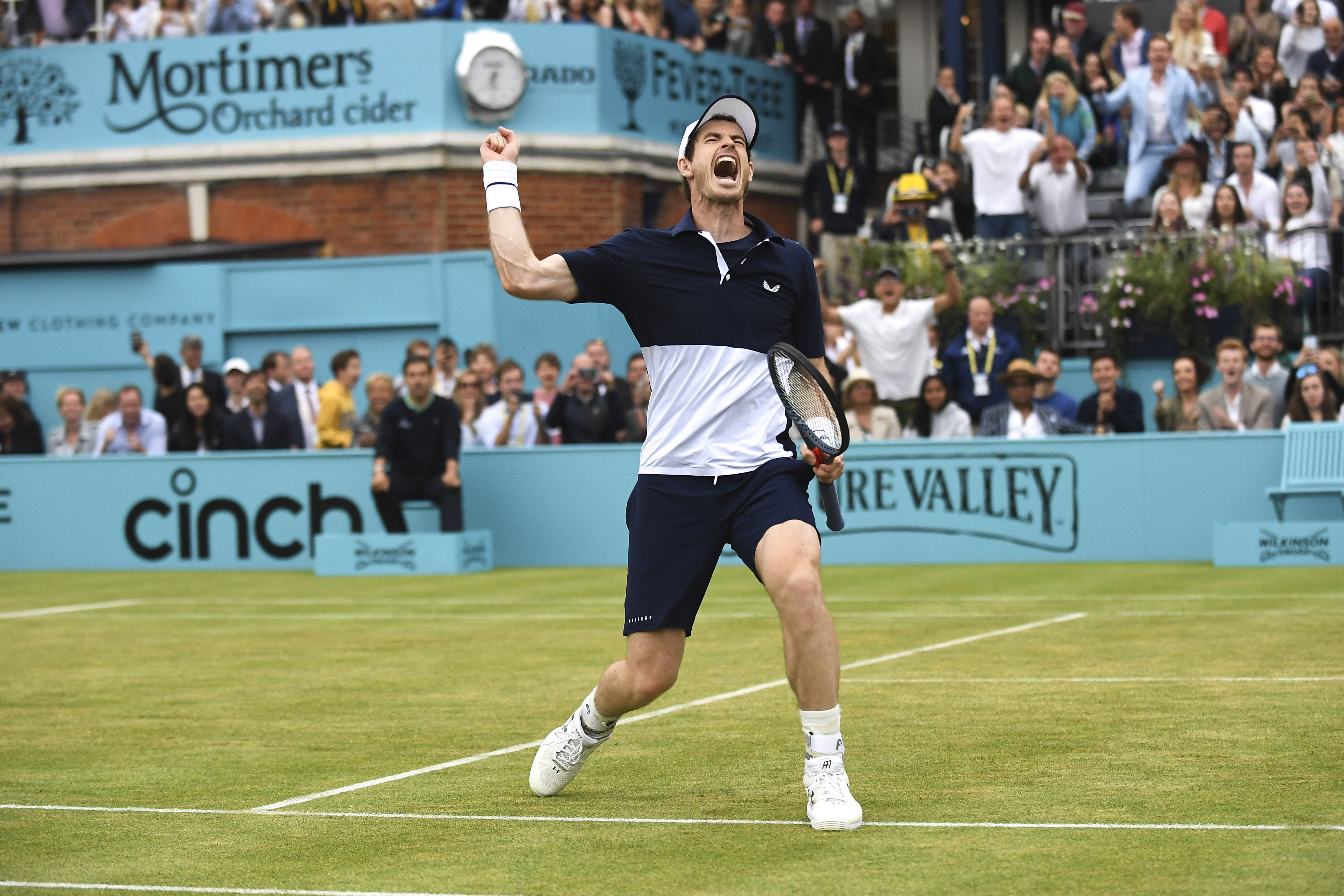 Andy Murray celebrating