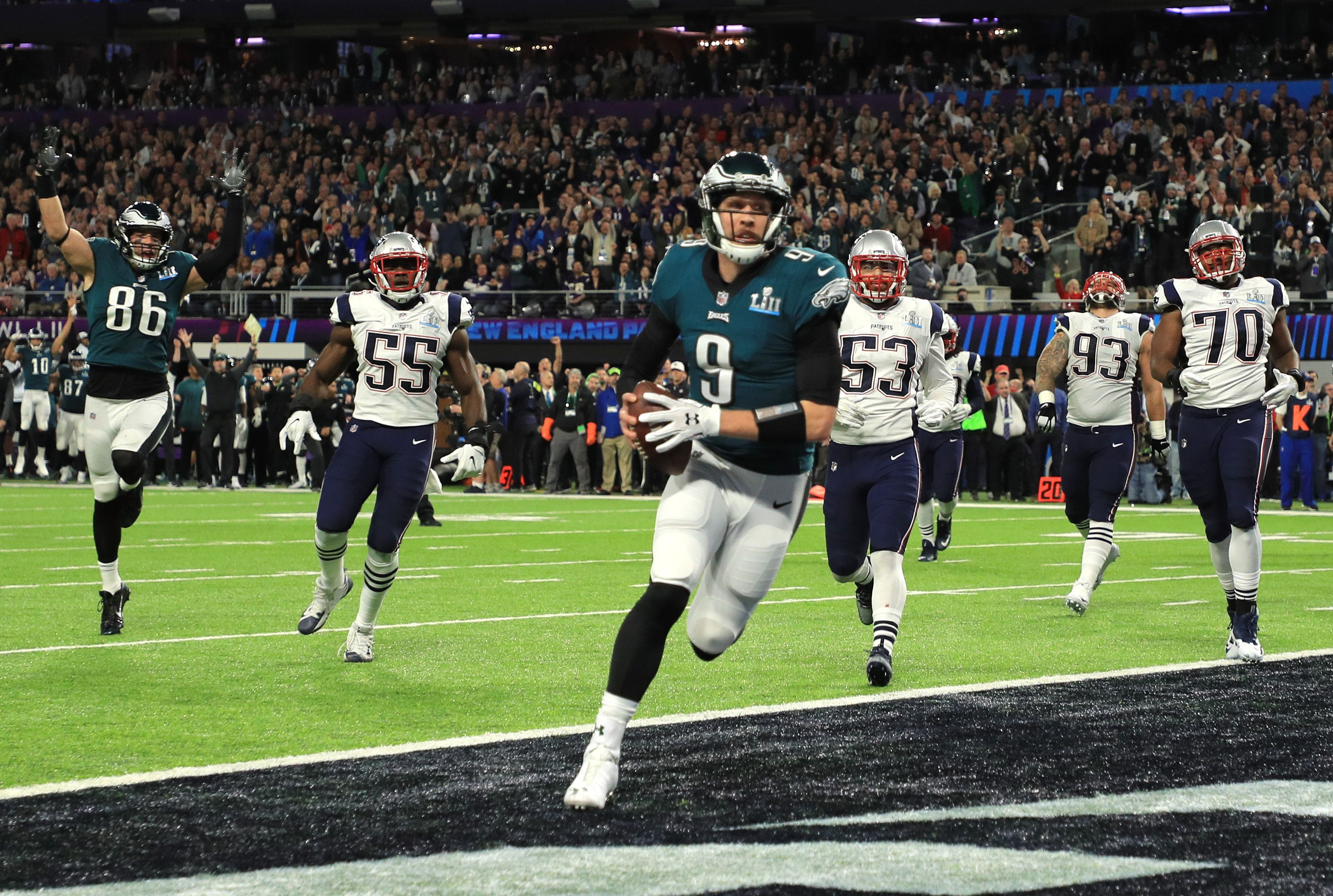 Nick Foles catches a TD