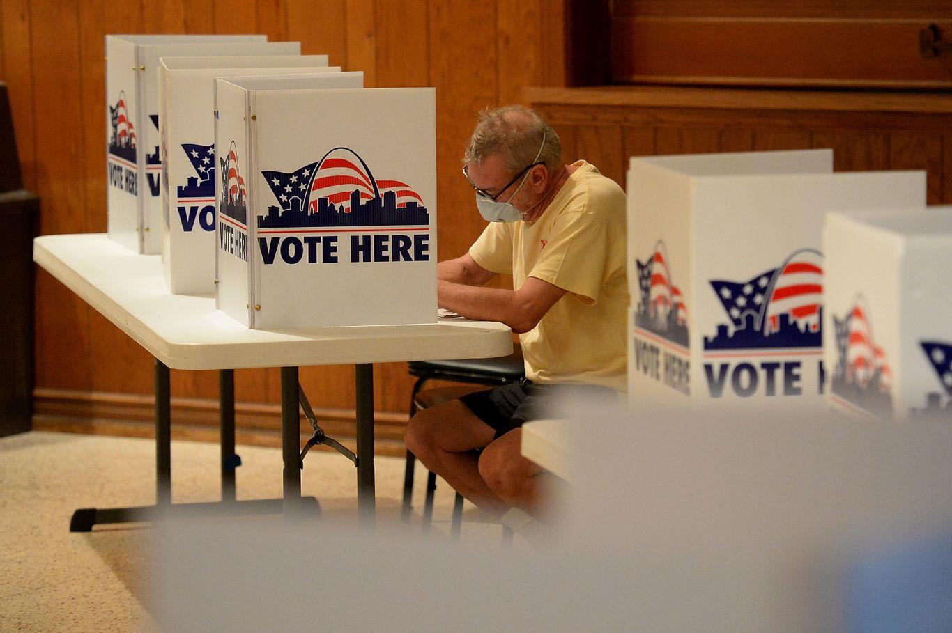 Aug. 4 primaries: Voters visit the polls in Arizona, Kansas, Michigan, Missouri and Washington thumbnail