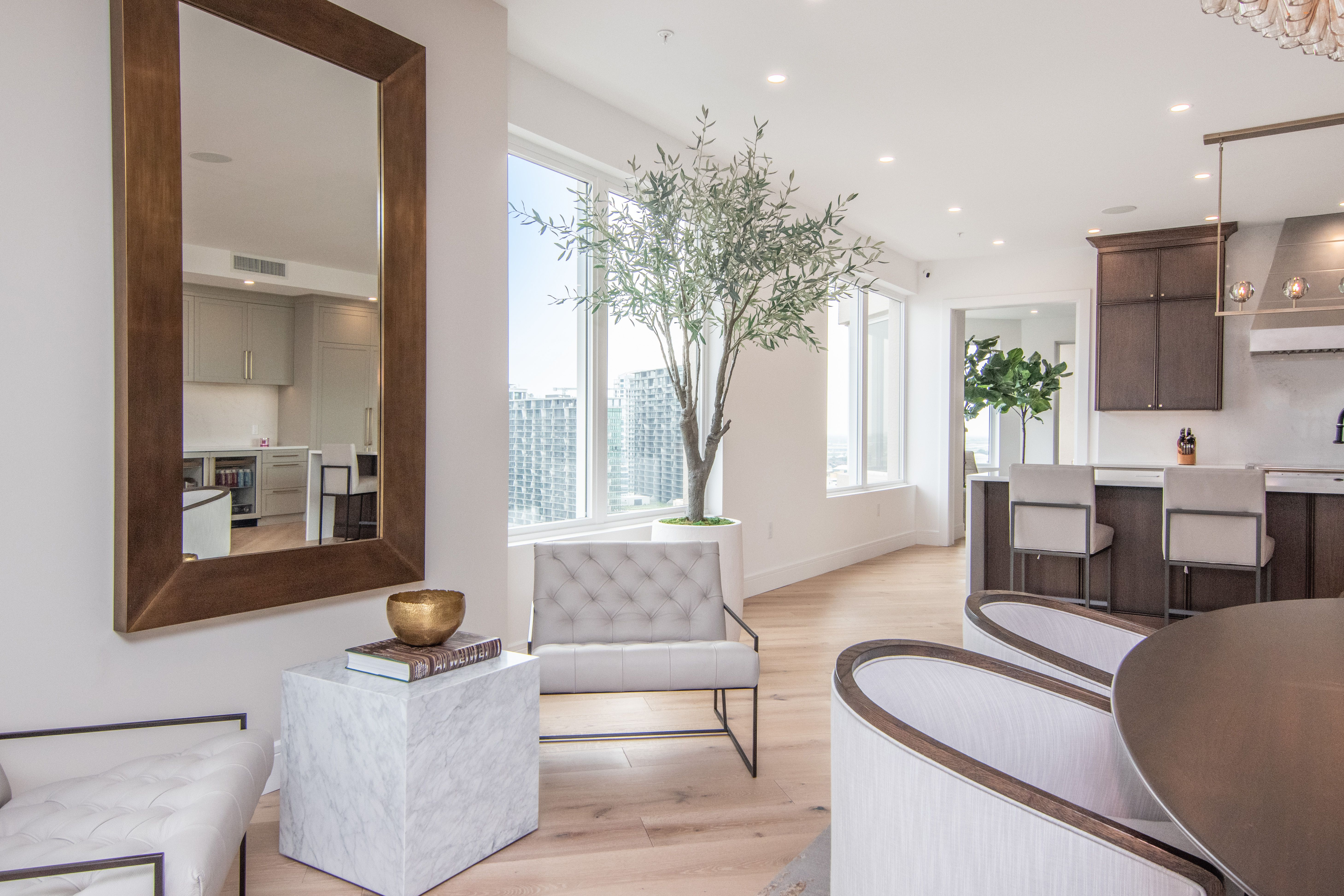 Smith & Associates Real Estate  dining room