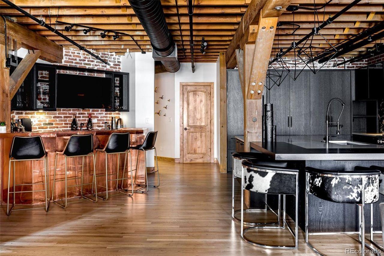 1720 Wynkoop St. #316 kitchen and bar