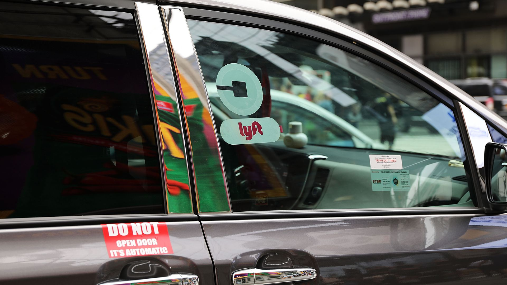 "Uber sues NYC to stop ""cruising cap"" for-hire drivers"