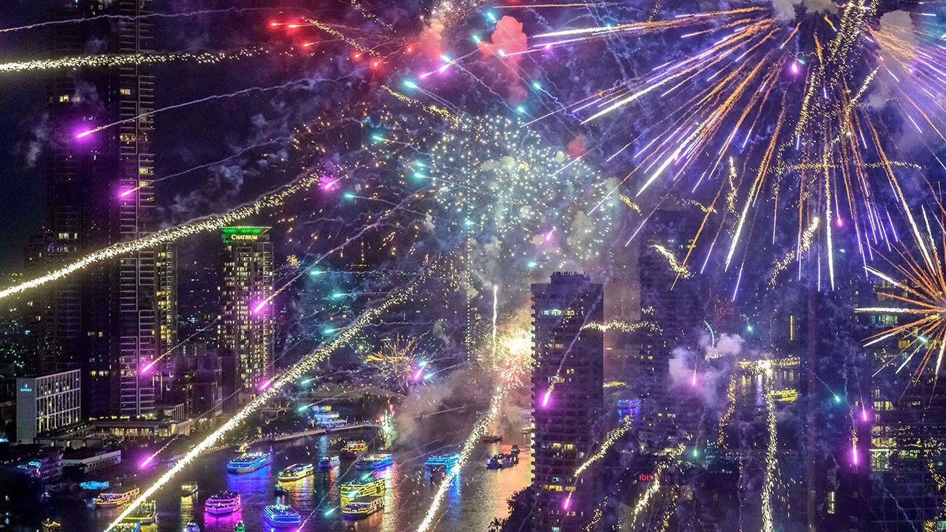 Goodbye 2020: The world rings in the new year amid the coronavirus pandemic thumbnail