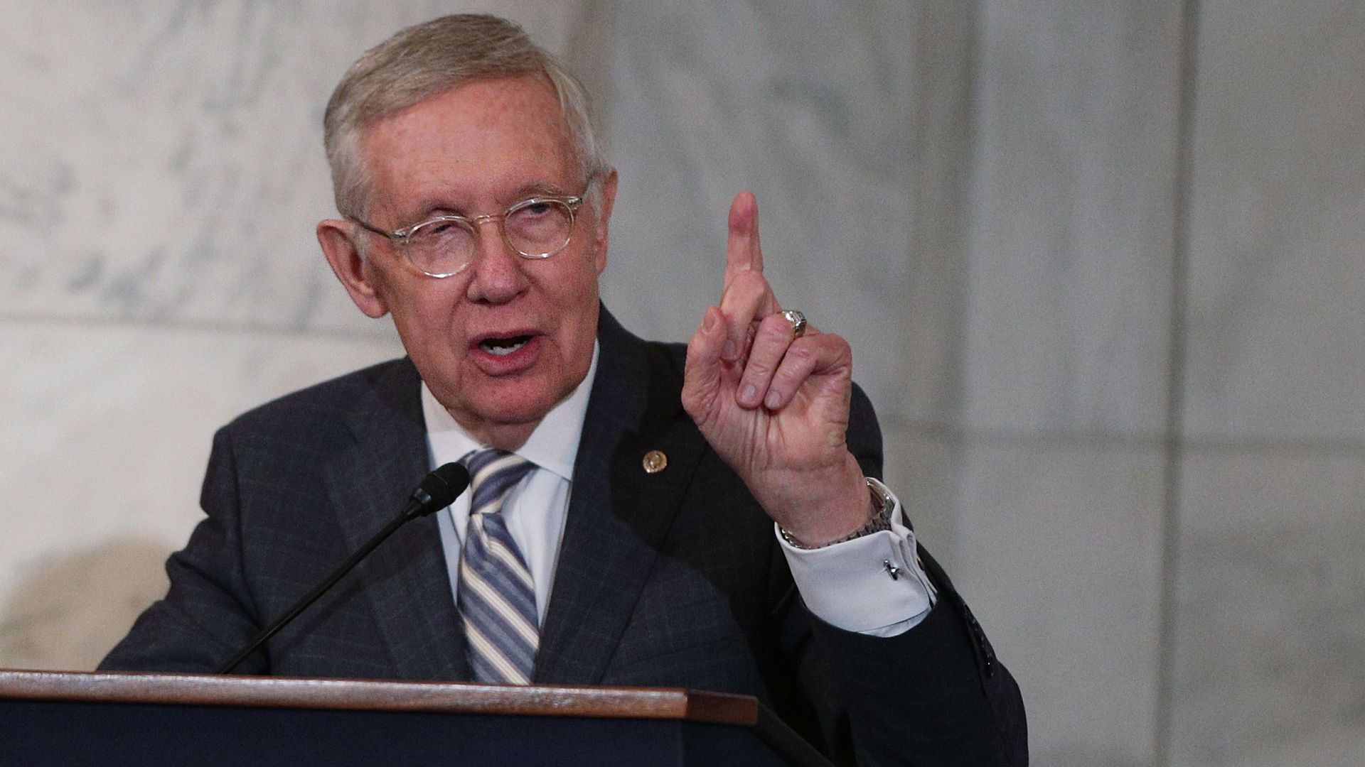 Harry Reid says Democrats should end the filibuster to take on climate change